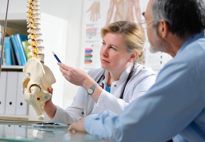 chiropractors observing diagram